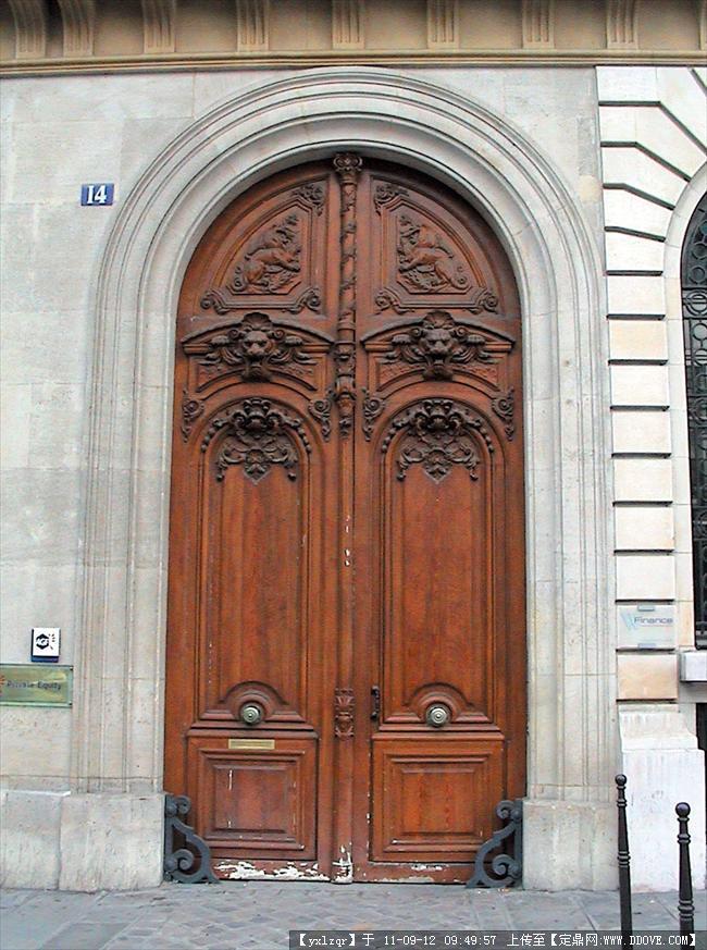 欧洲古典建筑景观 木质造型门