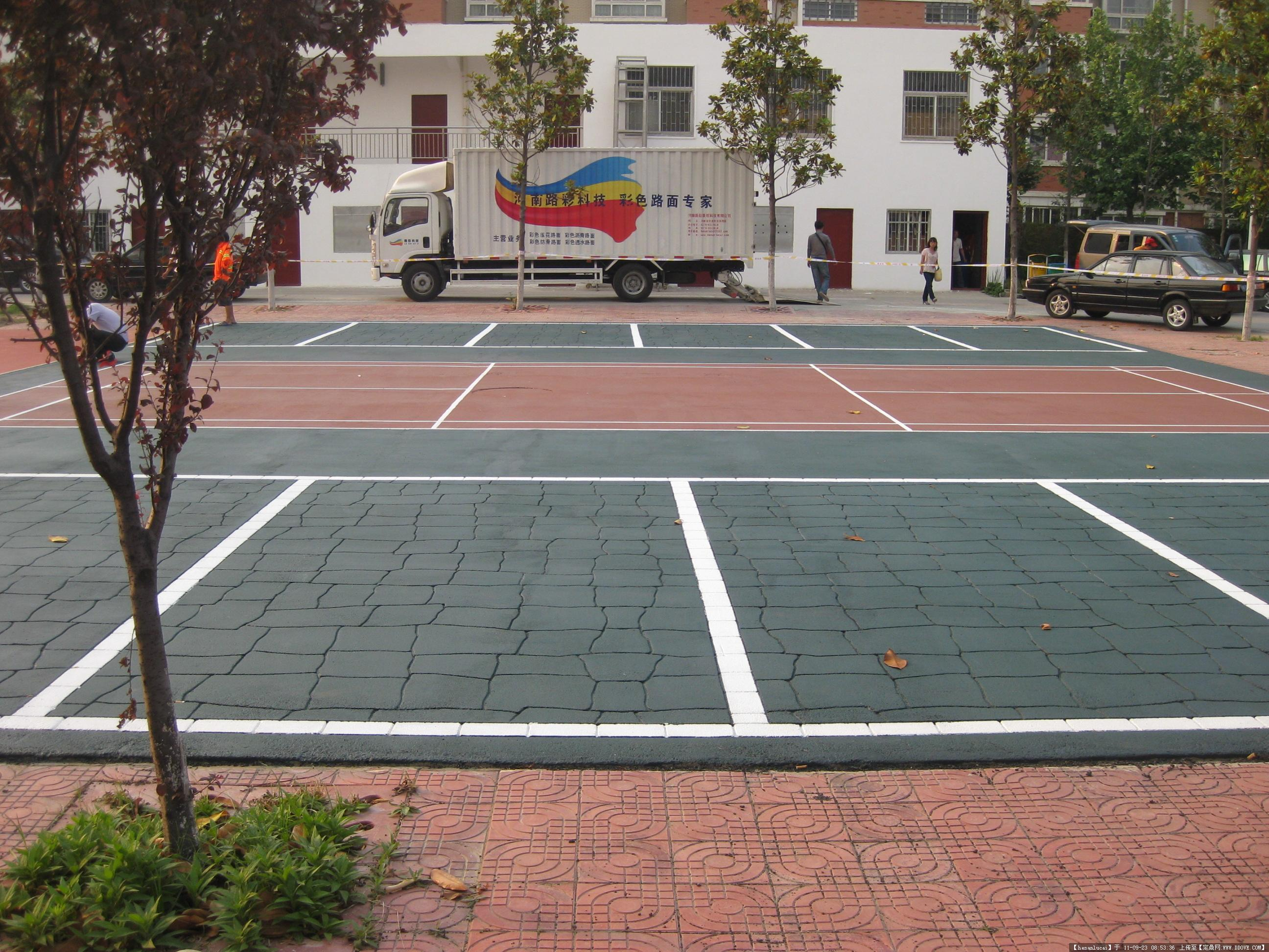 广场设计-停车场.jpg 原始尺寸:2592