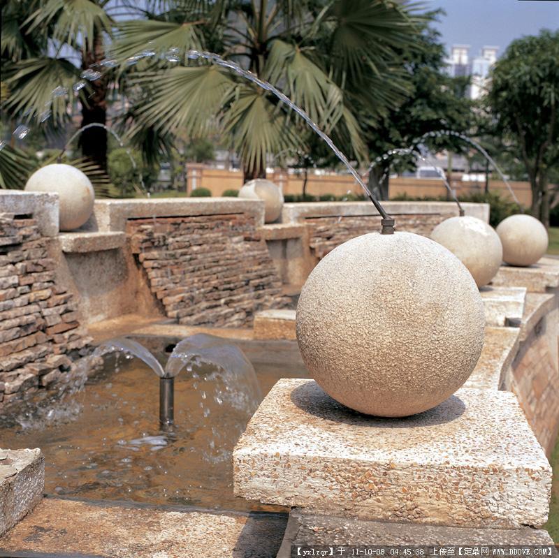 喷泉-圆形喷泉实景图片图片