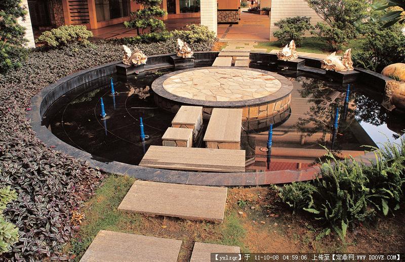 喷泉-圆形喷泉实景图片
